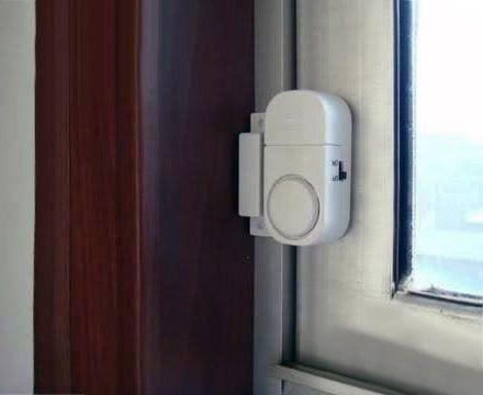 Мини сигнализация установленная на дверь