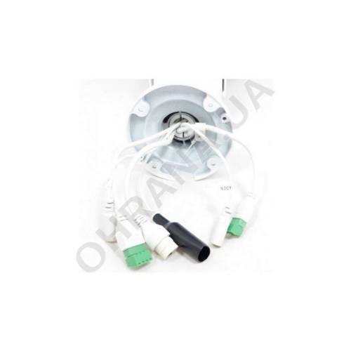 Фото Zoom Smart 2 Mp LightFighter IP видеокамера DS-2CD4A25FWD-IZS (2.8-12 мм)